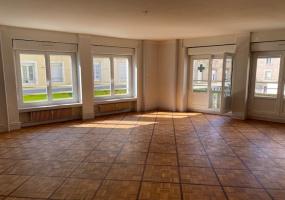 Appartement T4 au centre ville de MONTCEAU LES MINES