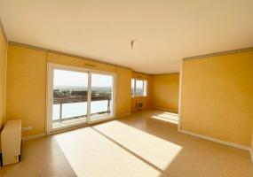 Dans la résidence Le Panoramique à MARCIGNY, Appartement T4 à Louer